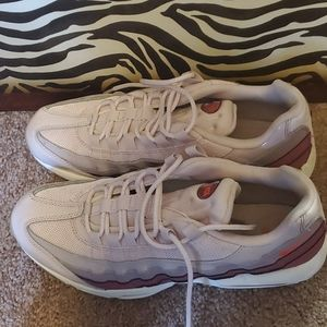 Perfect condition! Nike Airmax size 11.